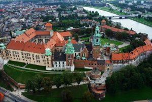 Kraków - zamek królewski - filmowanie dronem